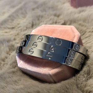 Set of 3 Love Bangles Bracelets